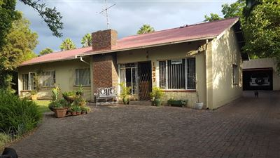 Property and Houses for sale in Queenswood, House, 4 Bedrooms - ZAR 1,500,000