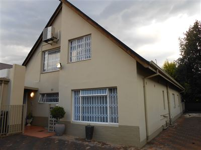 Property and Houses for sale in Rietfontein, House, 4 Bedrooms - ZAR 1,995,000