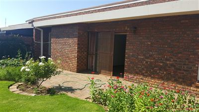 Klerksdorp, Oudorp Property  | Houses For Sale Oudorp, Oudorp, Retirement Home 2 bedrooms property for sale Price:620,000