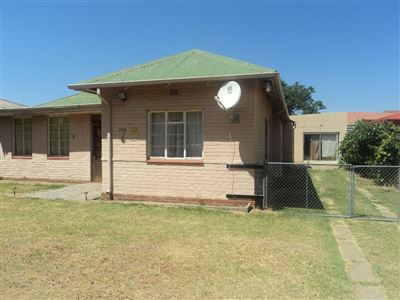 Property and Houses for sale in Vierfontein, House, 3 Bedrooms - ZAR 260,000