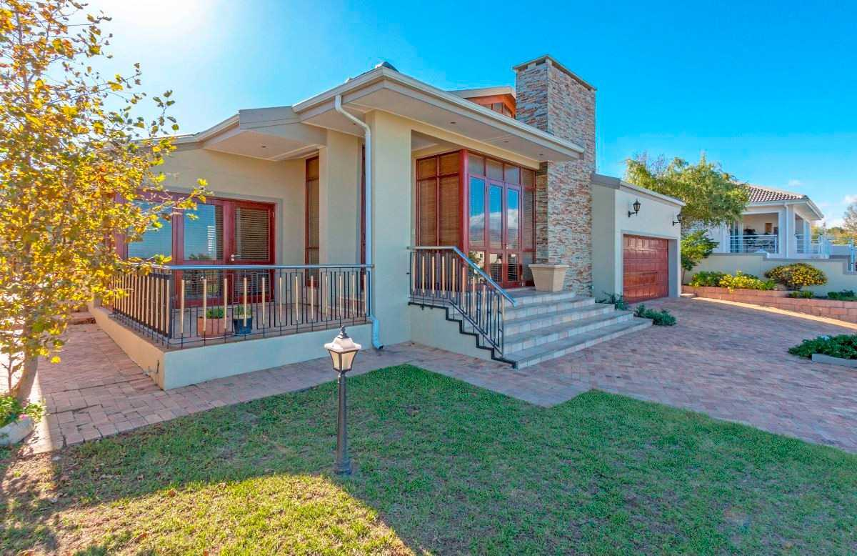 Views Security Lifestyle in Somerset West
