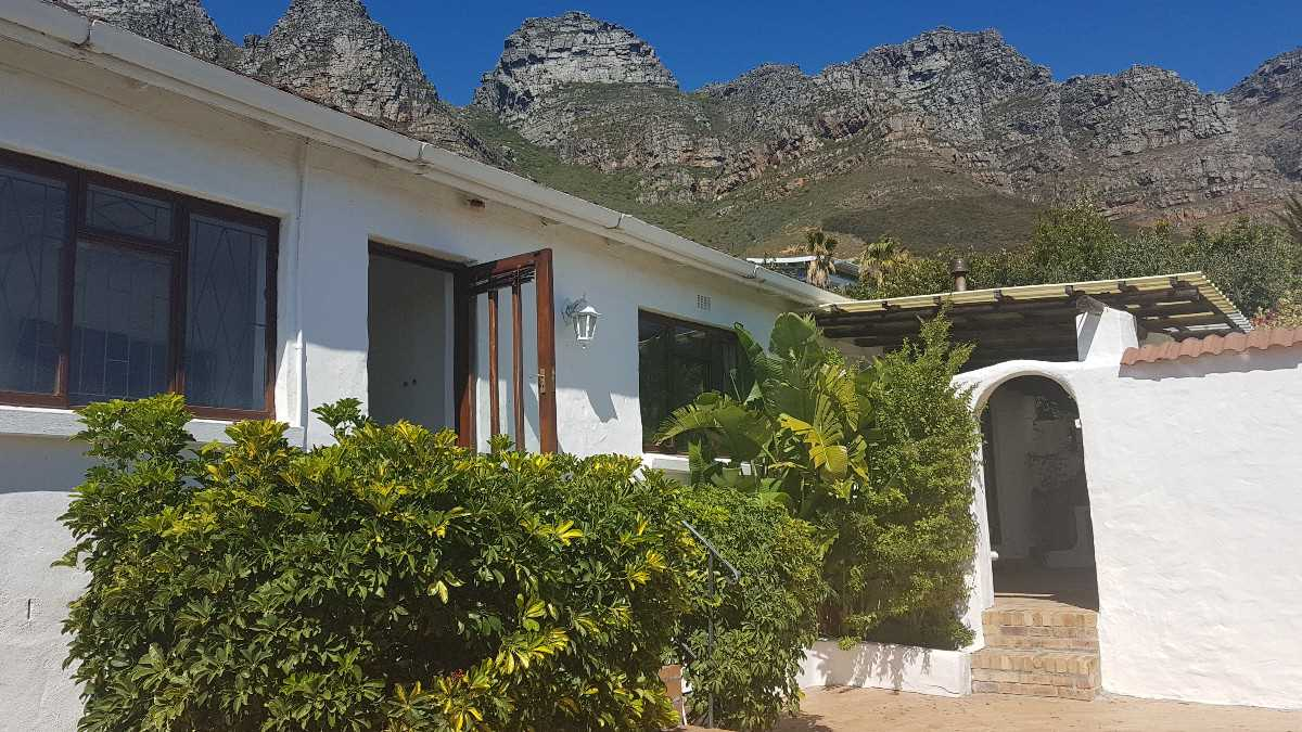 Bargain priced house in Camps Bay