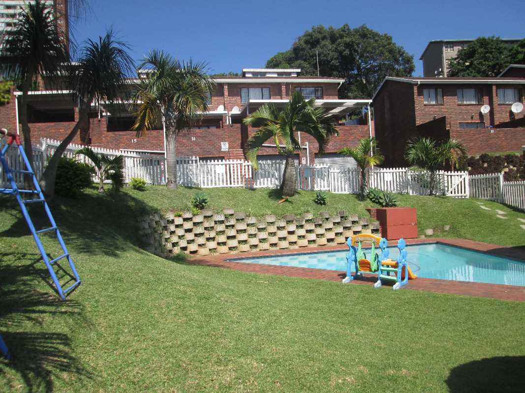 Common area pool area