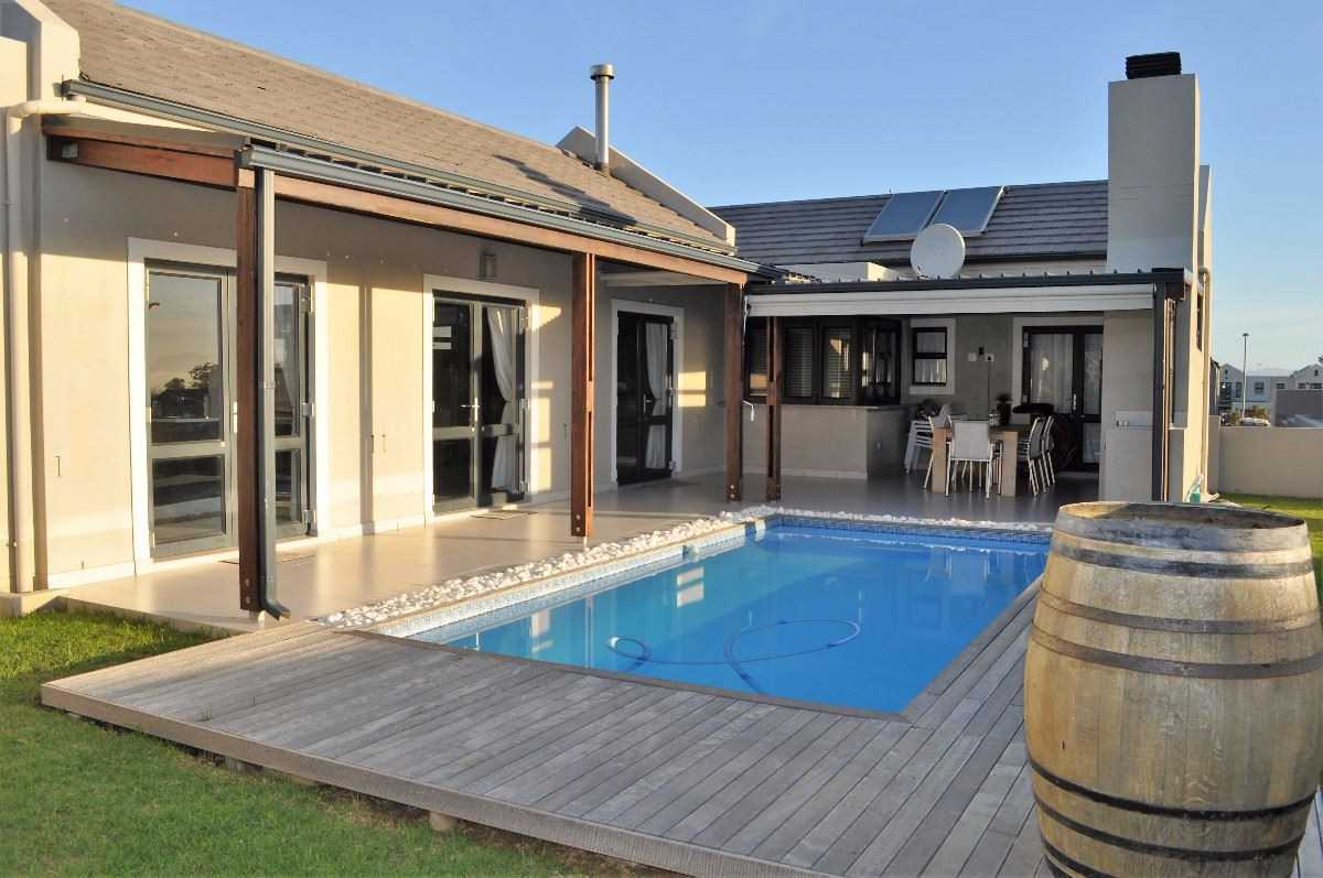 A Home Designed for Outdoor Entertaining, Somerset West