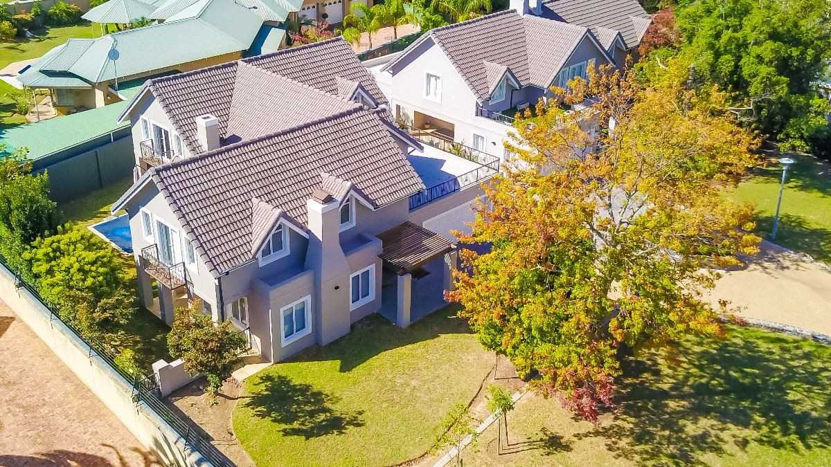 Prestigious, Palatial & Perfectly Positioned in Parl Vallei
