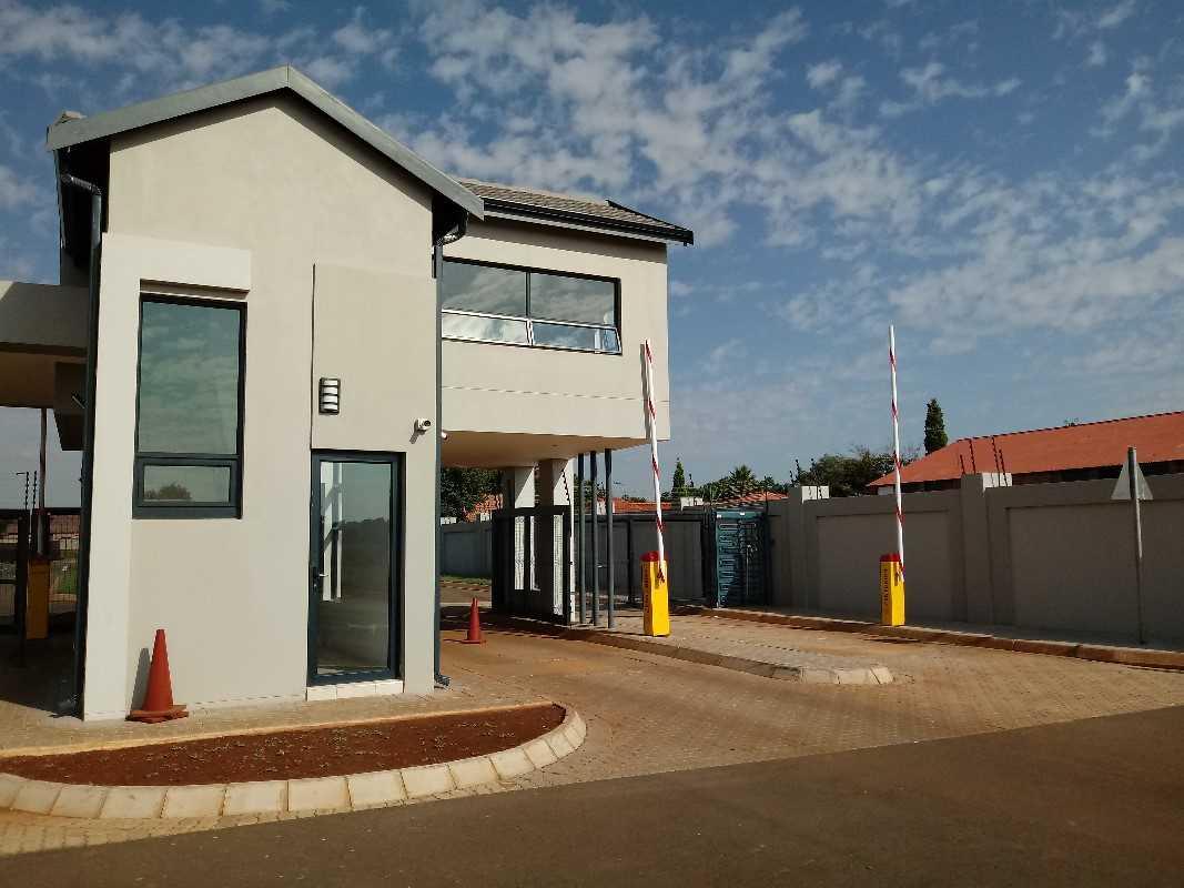 New development,3 bedroom house at Du Vin Estate, Raslouw!!!