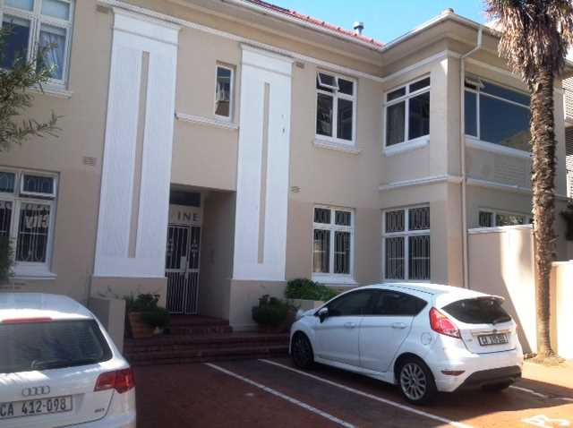 Close to Shull and promenade in Sea Point