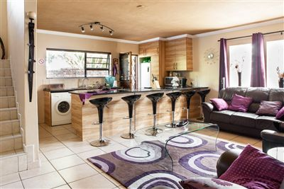 Bluewater Bay property to rent. Ref No 13232797. Picture no 1 & Flats to rent in Bluewater Bay - 3 bedroom 13232797  3-2  Tivvit