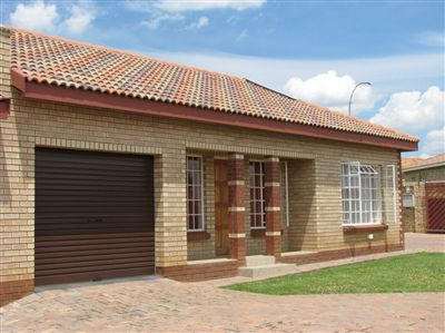 Property and Houses to rent in Free State, Townhouse, 2 Bedrooms - ZAR ,  4,30*,M