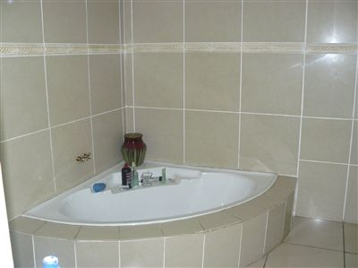 Witbank property for sale. Ref No: 2682058. Picture no 15