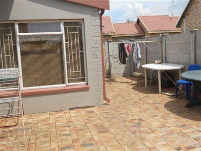 Parys property for sale. Ref No: 2701822. Picture no 3