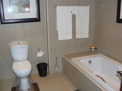 Parys property for sale. Ref No: 3055566. Picture no 27