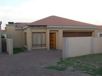 Property and Houses for sale in Reyno Ridge, Townhouse, 3 Bedrooms - ZAR 1,000,000