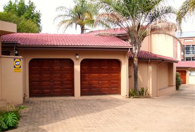Property and Houses for sale in Arcadia, Townhouse, 3 Bedrooms - ZAR 2,150,000