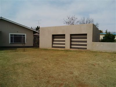 Parys property for sale. Ref No: 3219121. Picture no 3