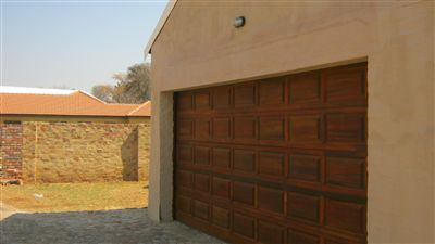 Mooivallei Park property for sale. Ref No: 13239113. Picture no 3