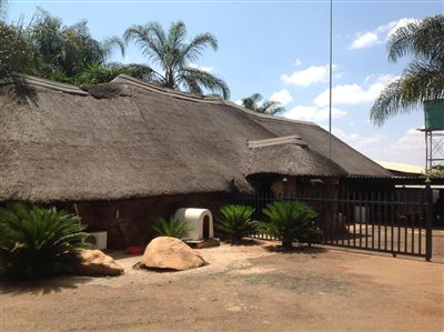 Property and Houses for sale in Derdepoort, House, 3 Bedrooms - ZAR 5,775,000