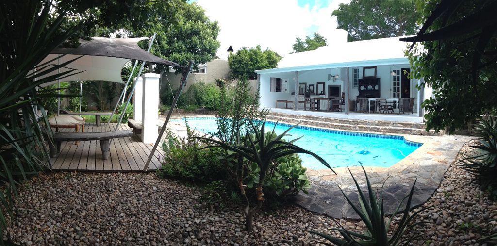 Pool & entertainment area