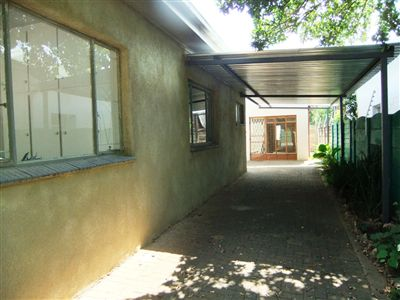 Potchefstroom Central property for sale. Ref No: 13240848. Picture no 2
