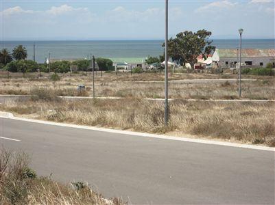 Stompneus Bay property for sale. Ref No: 13250077. Picture no 2