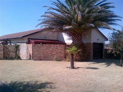 Parys property for sale. Ref No: 3282840. Picture no 1