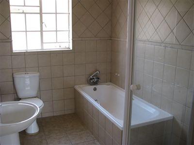 Parys property for sale. Ref No: 3285004. Picture no 9