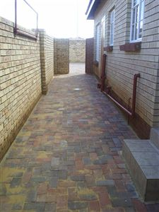 Parys property for sale. Ref No: 3285004. Picture no 16