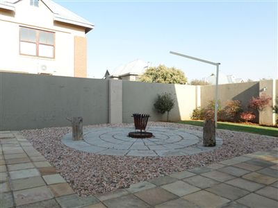 Parys property for sale. Ref No: 3289177. Picture no 33