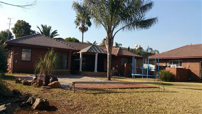 Property and Houses for sale in Erasmia, House, 4 Bedrooms - ZAR 2,490,000