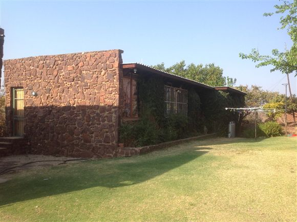 House for sale in Leeuwkloof, Pretoria.