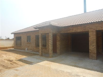 Klerksdorp, Meiringspark Property  | Houses For Sale Meiringspark, Meiringspark, Townhouse 3 bedrooms property for sale Price:650,000