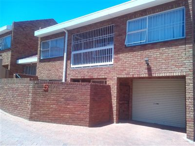 Townhouse for sale in Westdene