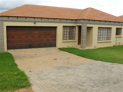 Witbank, Jackaroo Park Property  | Houses For Sale Jackaroo Park, Jackaroo Park, Townhouse 3 bedrooms property for sale Price:710,000