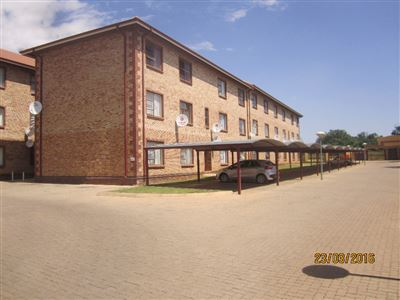 Potchefstroom Central property for sale. Ref No: 13316665. Picture no 2