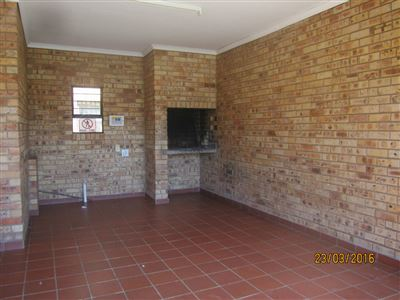 Potchefstroom Central property for sale. Ref No: 13316665. Picture no 4
