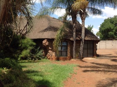 Property and Houses for sale in Derdepoort, House, 3 Bedrooms - ZAR 6,000,000