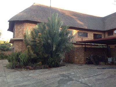 Kameeldrift East property for sale. Ref No: 13325554. Picture no 8