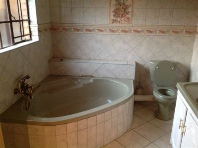 Kameeldrift East property for sale. Ref No: 13325554. Picture no 19