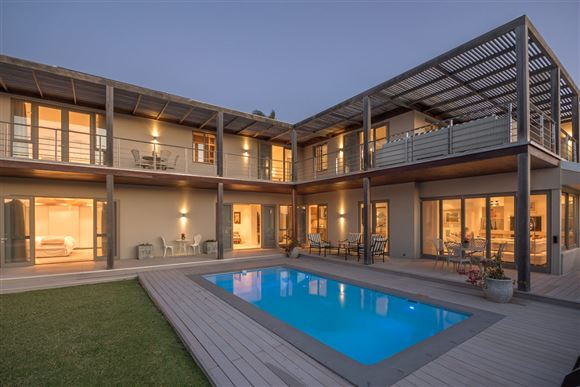 Six Bedroom Home on the West Bank, Port Alfred.