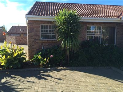 Bloemfontein, Universitas Property  | Houses For Sale Universitas, Universitas, Townhouse 2 bedrooms property for sale Price:1,190,000