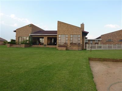 Property and Houses for sale in Witbank And Ext, House, 3 Bedrooms - ZAR 2,495,000