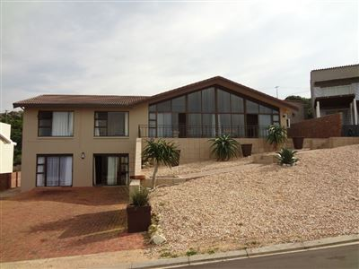 Property and Houses for sale in Jongensfontein, House, 4 Bedrooms - ZAR 4,300,000