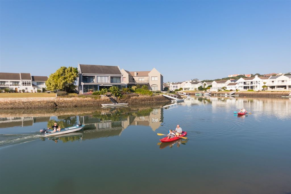 Wide Waterfrontage from this Vacant Land on the Royal Alfred Marina in Port Alfred