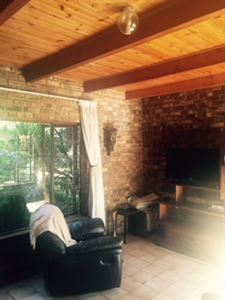 Raslouw property for sale. Ref No: 13401997. Picture no 13