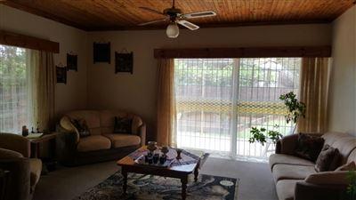 Parys property for sale. Ref No: 13381024. Picture no 6