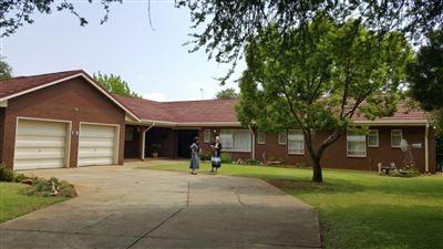 Parys property for sale. Ref No: 13381024. Picture no 10