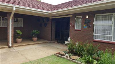 Parys property for sale. Ref No: 13381024. Picture no 1