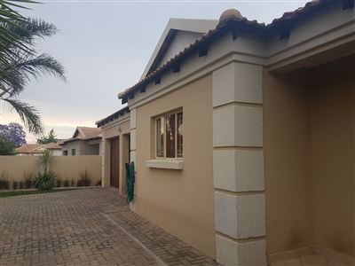 Witbank, Hoeveld Park Property    Houses For Sale Hoeveld Park, Hoeveld Park, Townhouse 3 bedrooms property for sale Price:996,000