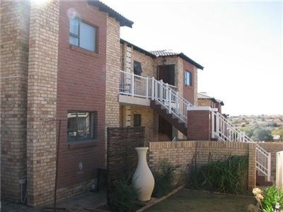 Property and Houses to rent in Free State, Townhouse, 3 Bedrooms - ZAR ,  7,00*,M