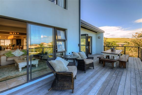 Spacious Five Bedroom Home and Sea Views in Port Alfred